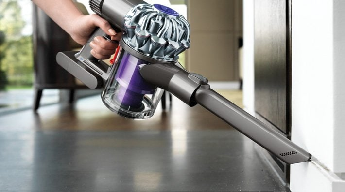 dyson v6 trigger handheld cordless vacuum gearstyle magazine. Black Bedroom Furniture Sets. Home Design Ideas