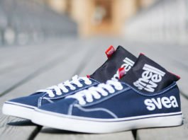 SmellWell Knocks the Stink out of your shoes