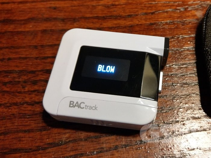 BACtrack C8 Portable Breathalyzer: Measure your drunkenness